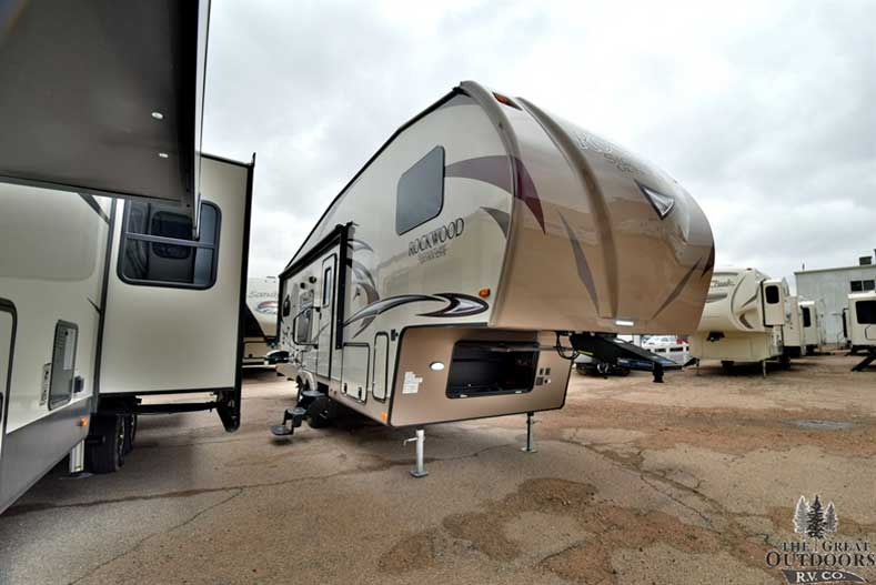 2018 Forest River Rockwood Signature Ultra Lite 8280WS front cap