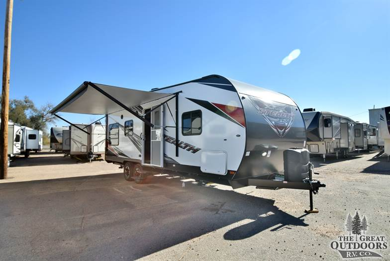 2017 Stealth FQ2313G front cap awning