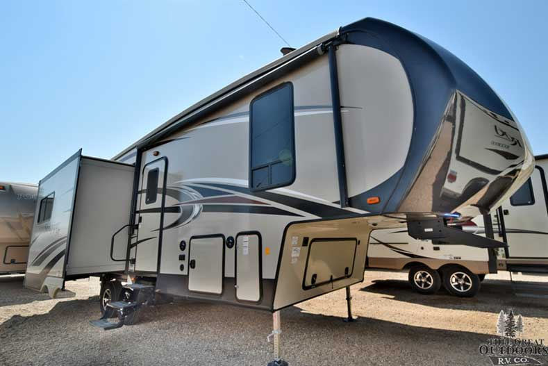 The Great Outdoors RV 2018-Sandpiper-Rear-Living-Camper-2850RL-Forest-River Front passengers side exterior w/slide out