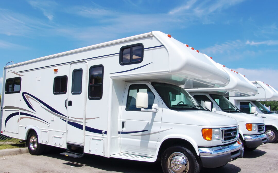 used RV sales lined up at an RV dealership