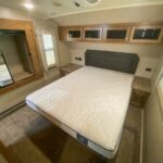 2019 FOREST RIVER ROCKWOOD SIGNATURE ULTRA LITE 8289WS full
